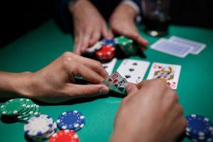Alat bantu bermain poker